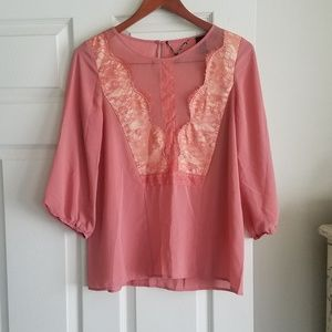 BKE boutique M Dusty Rose Color Top Lacey Detail
